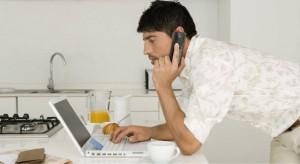 Online Shopping Man_86516038