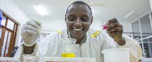 Askwar Hilonga, l'homme qui purifie l'eau